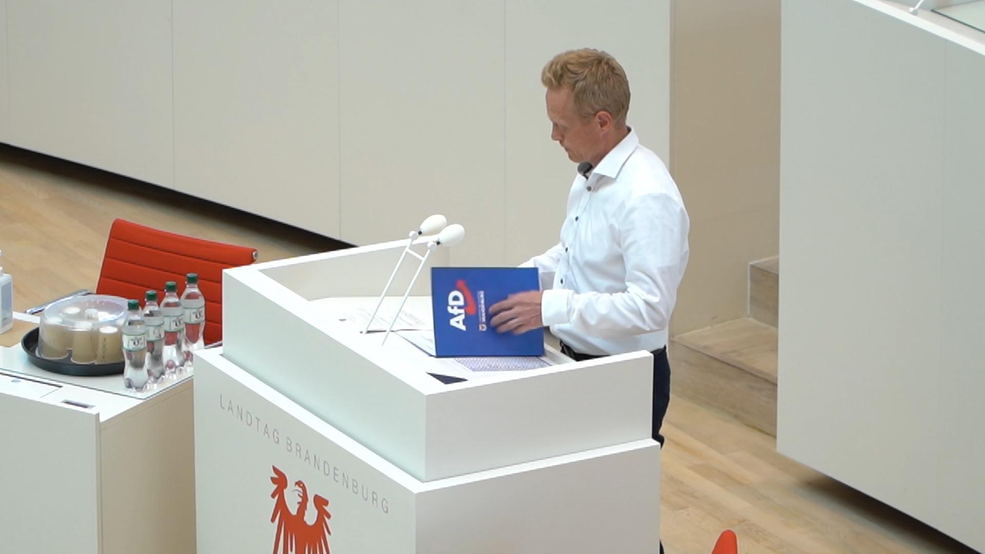 Landtag_Innenminister stellt falsche Behauptungen gegen Demo in Cottbus auf